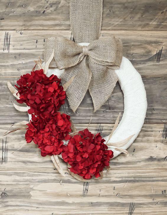 DIY Hydrangea Christmas Wreath via simplydesigning
