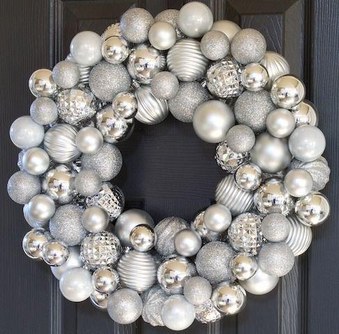 DIY Silver Christmas Ornament Wreath via decorchick