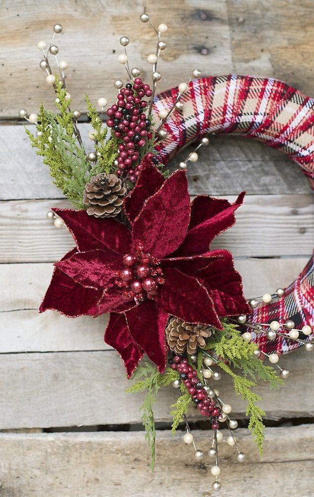 DIY Traditional Red Christmas Wreath via lilluna