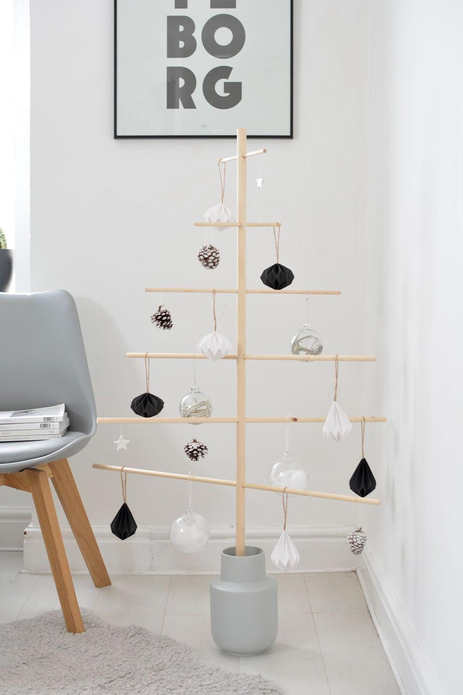 DIY wooden Scandi christmas tree via burkatron