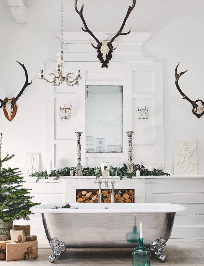 15 Essential Winter Decorations to Make Your Home Cozy