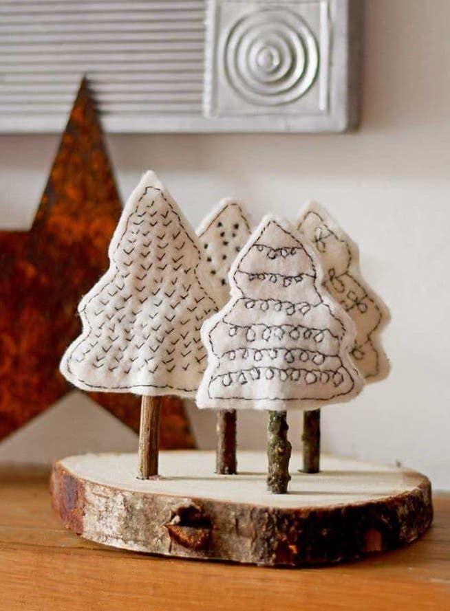Scandi Felt Christmas Tree Craft via pillarboxblue