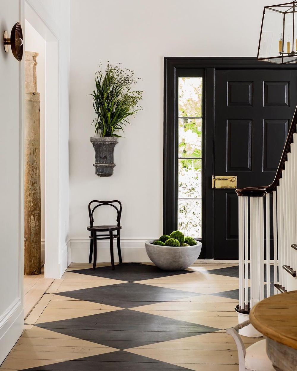 Scandinavian Entryway: 7 Black And White Checkered Floors Decor Ideas