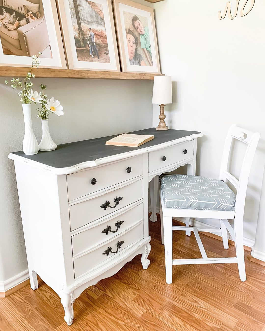 Image of: 21 Affordable Farmhouse Desks