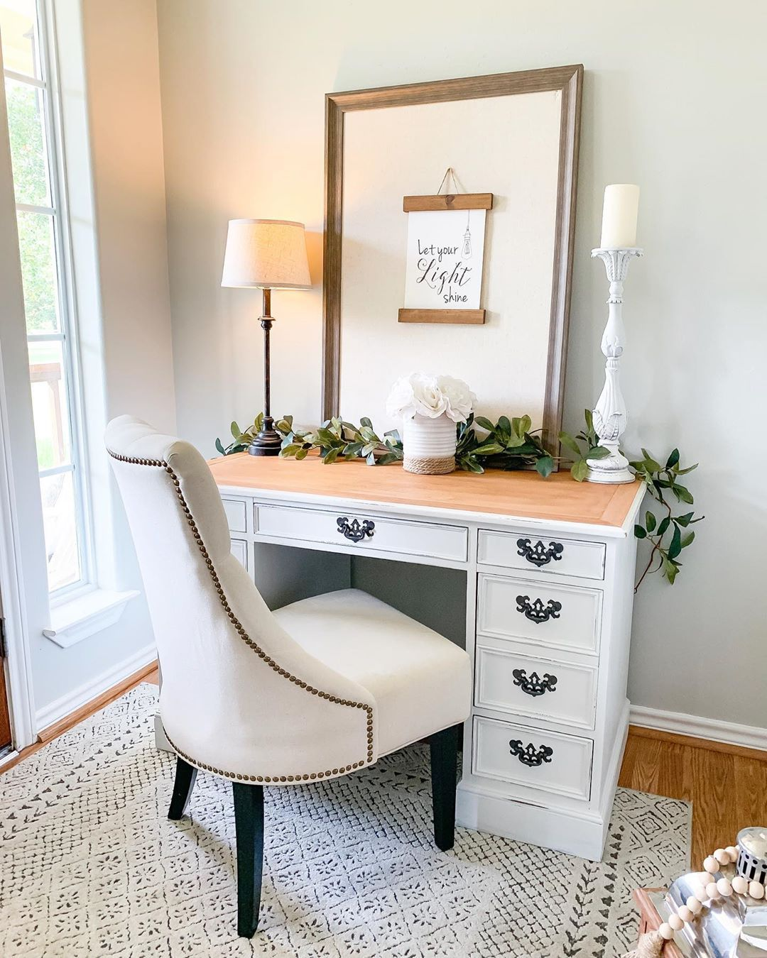21 Affordable Farmhouse Desks