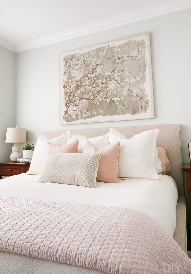 15 Chic Feminine Throw Pillows