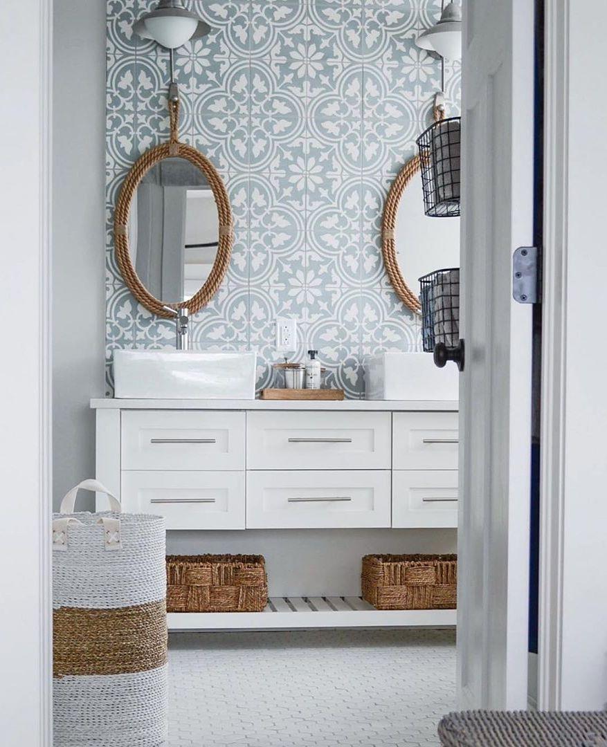 33 Modern Coastal Bathrooms With, Small Lake House Bathroom Ideas