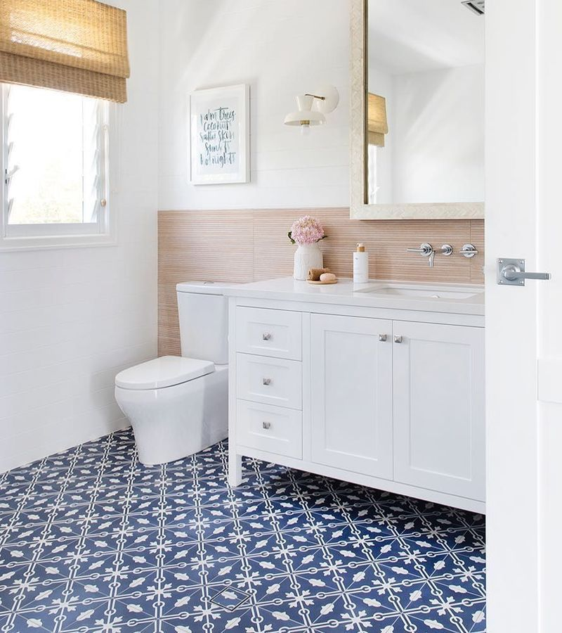 33 Modern Coastal Bathrooms With Classic Style