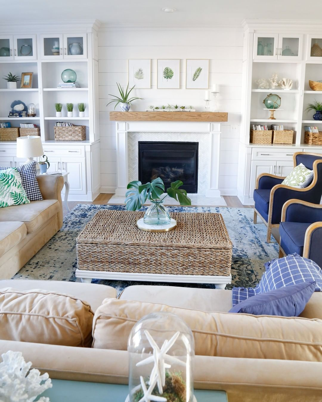 39 Coastal Living Rooms To Inspire You, Beach Style Living Room Ideas
