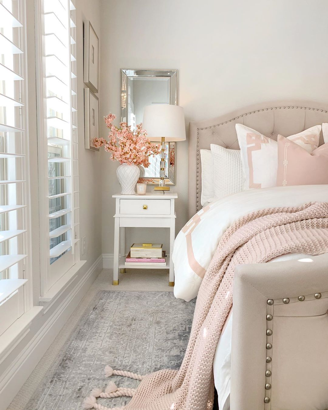 19 Feminine Bedrooms With Style