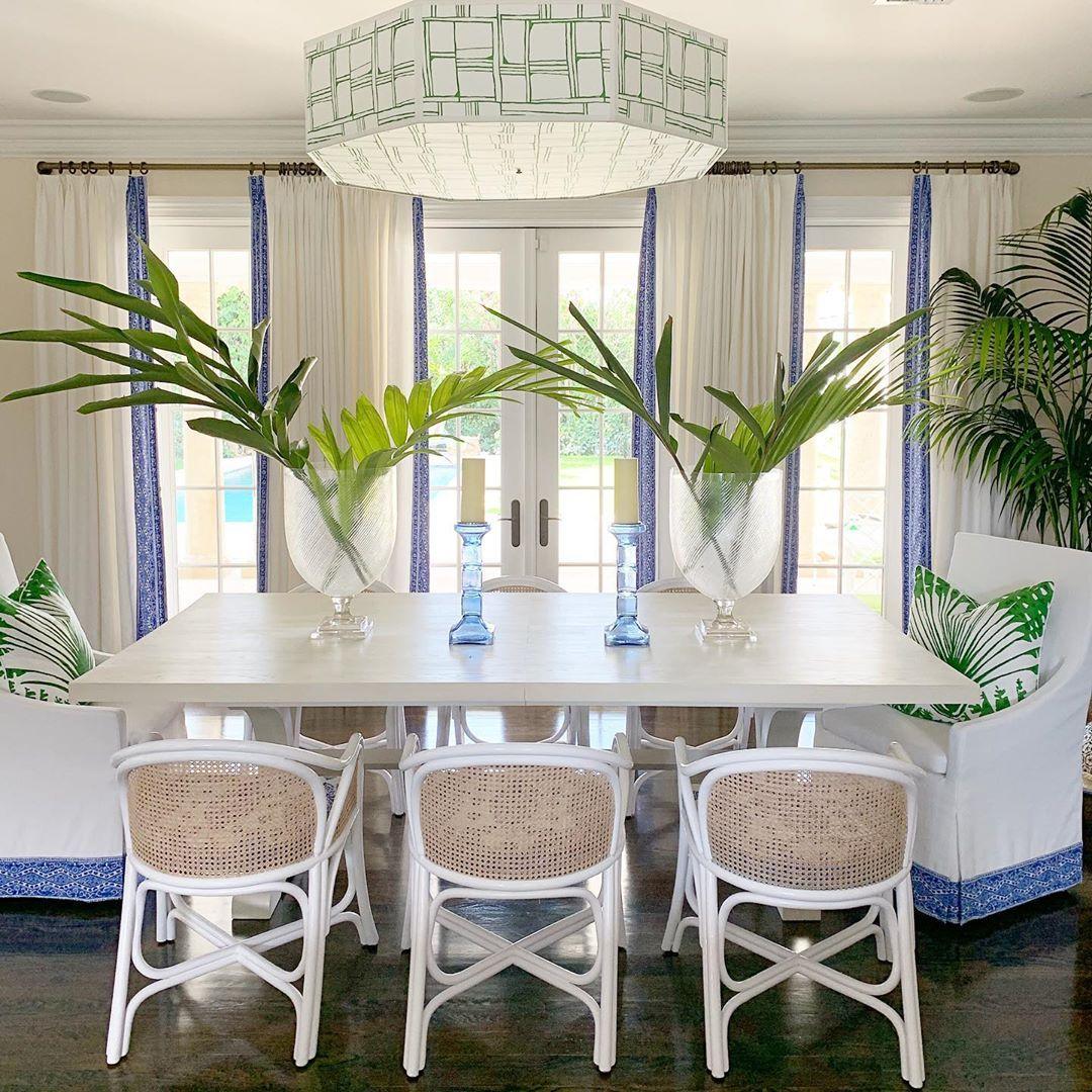17 Most Inspiring Coastal Dining Rooms, Beach Dining Room Table