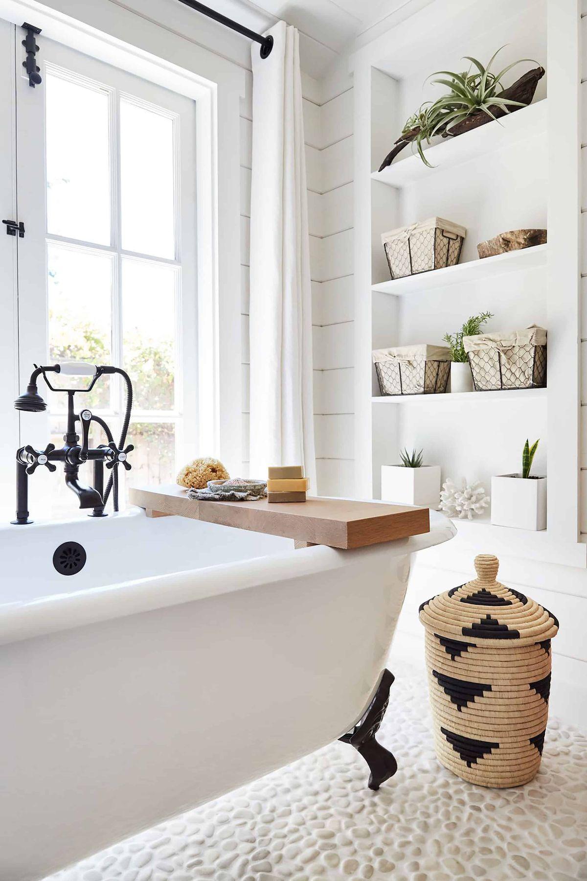 Pebble Tile Badezimmerboden Coastal Tile via Trinettereed