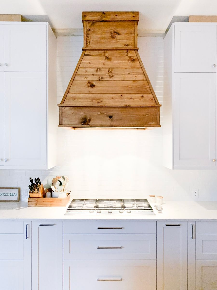Bauernhaus Küche Dekor Holz Dunstabzugshaube über StacysSavings