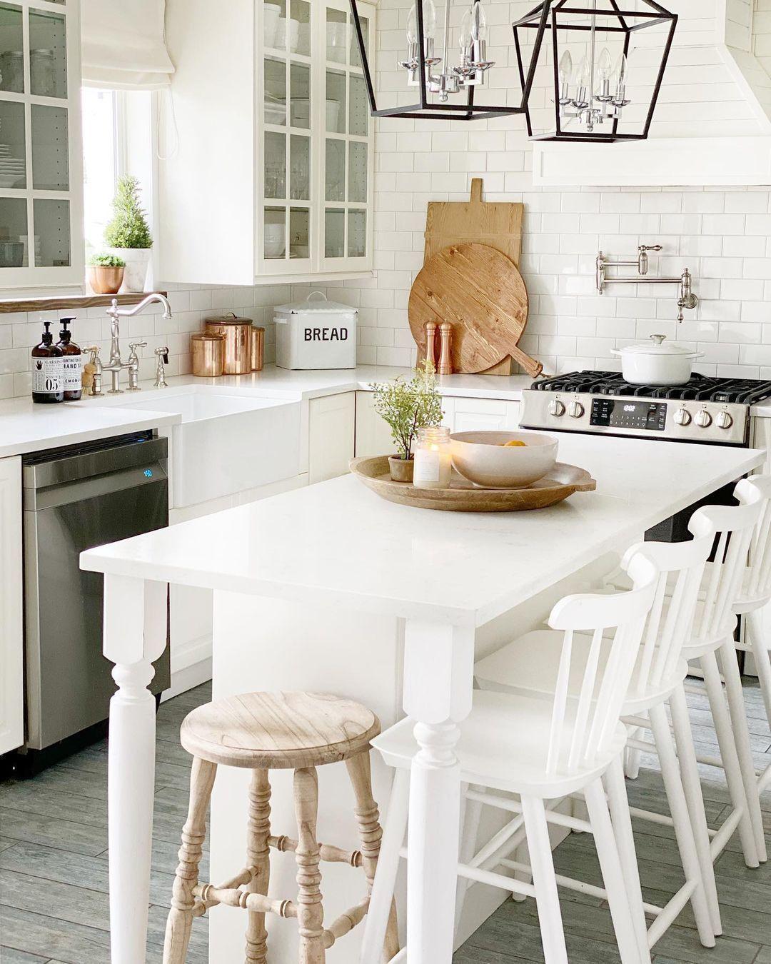9 Stunning Farmhouse Kitchen Decor Ideas