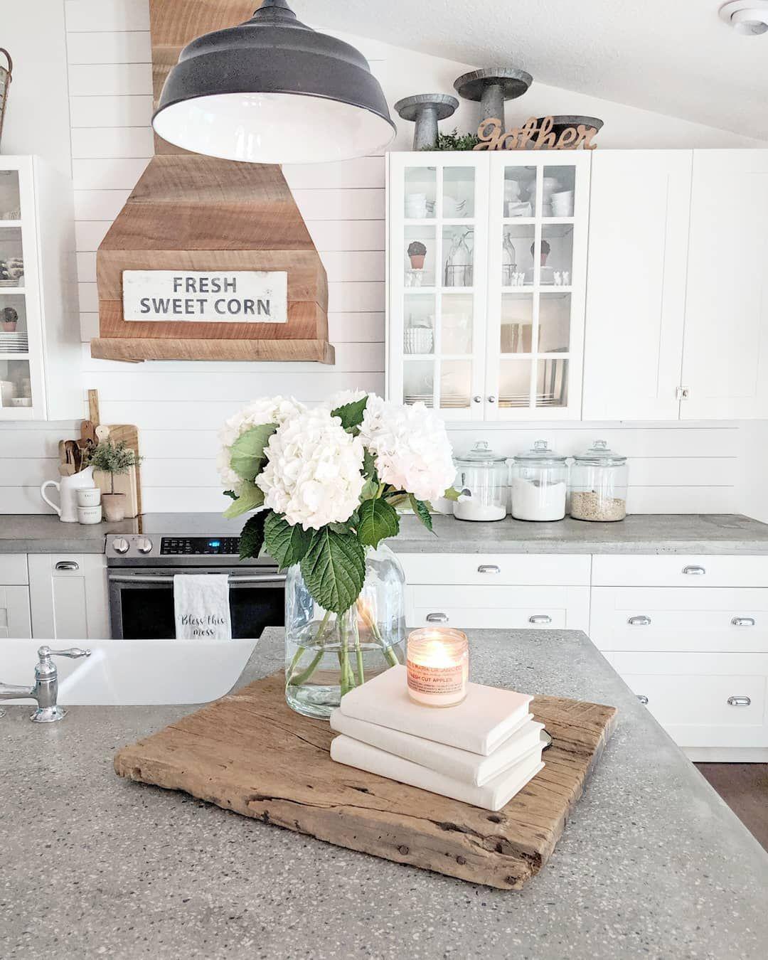 12 Stunning Farmhouse Kitchen Decor Ideas