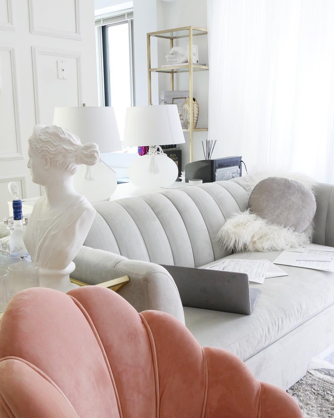 Glam Wohnzimmer mit Kanal zurück Art Deco Möbel über @citychicdecor