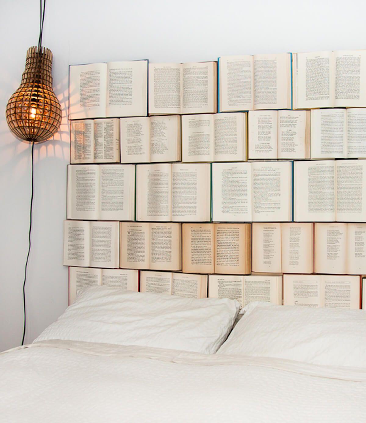 Open Book Kopfteil Schlafzimmer Dekor für Buchliebhaber über Design Every Day