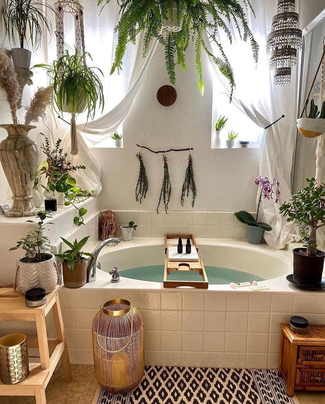 Tropisches Bambusdekor im Badezimmer über @biodara