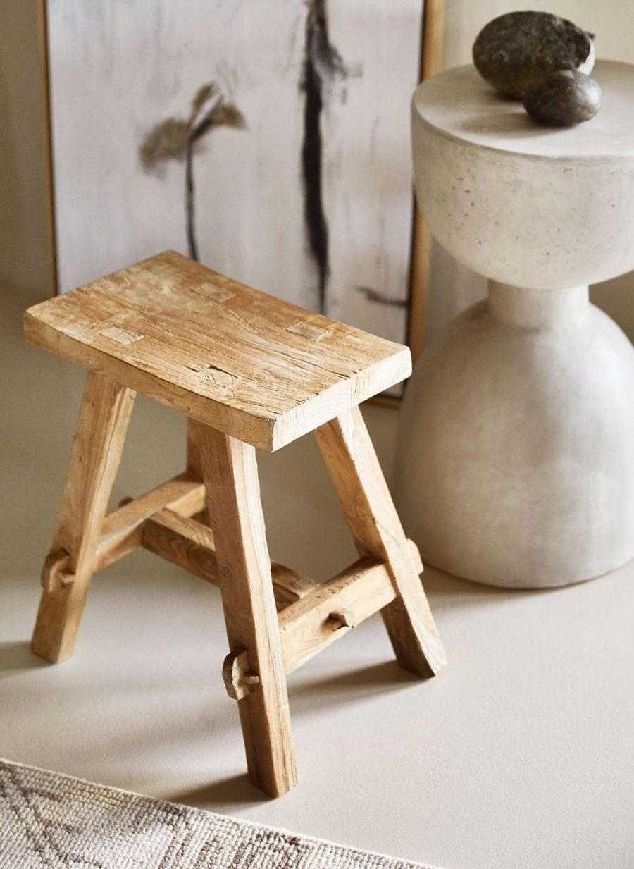 15 Best Rustic Wooden Stools For Your Bathroom Or Kitchen