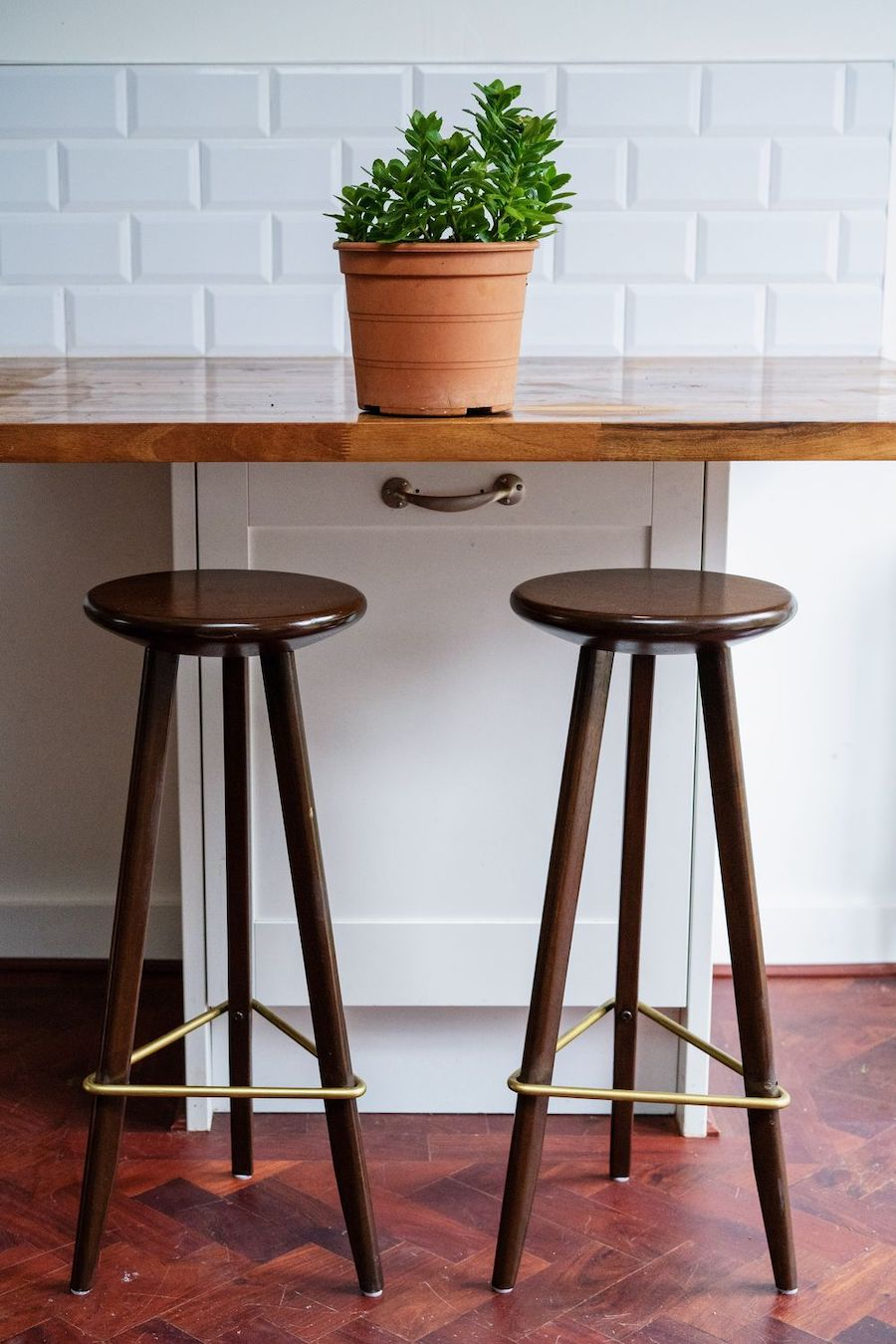 Tips for Buying Bar Stools for Your Home Bar or Kitchen