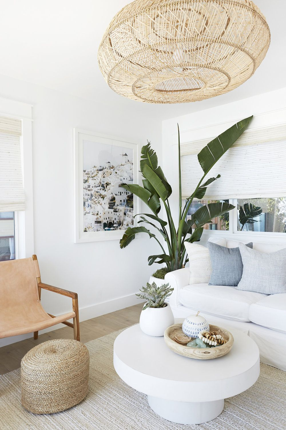 9 Tropical Living Room Decor Ideas For An Indoor Paradise