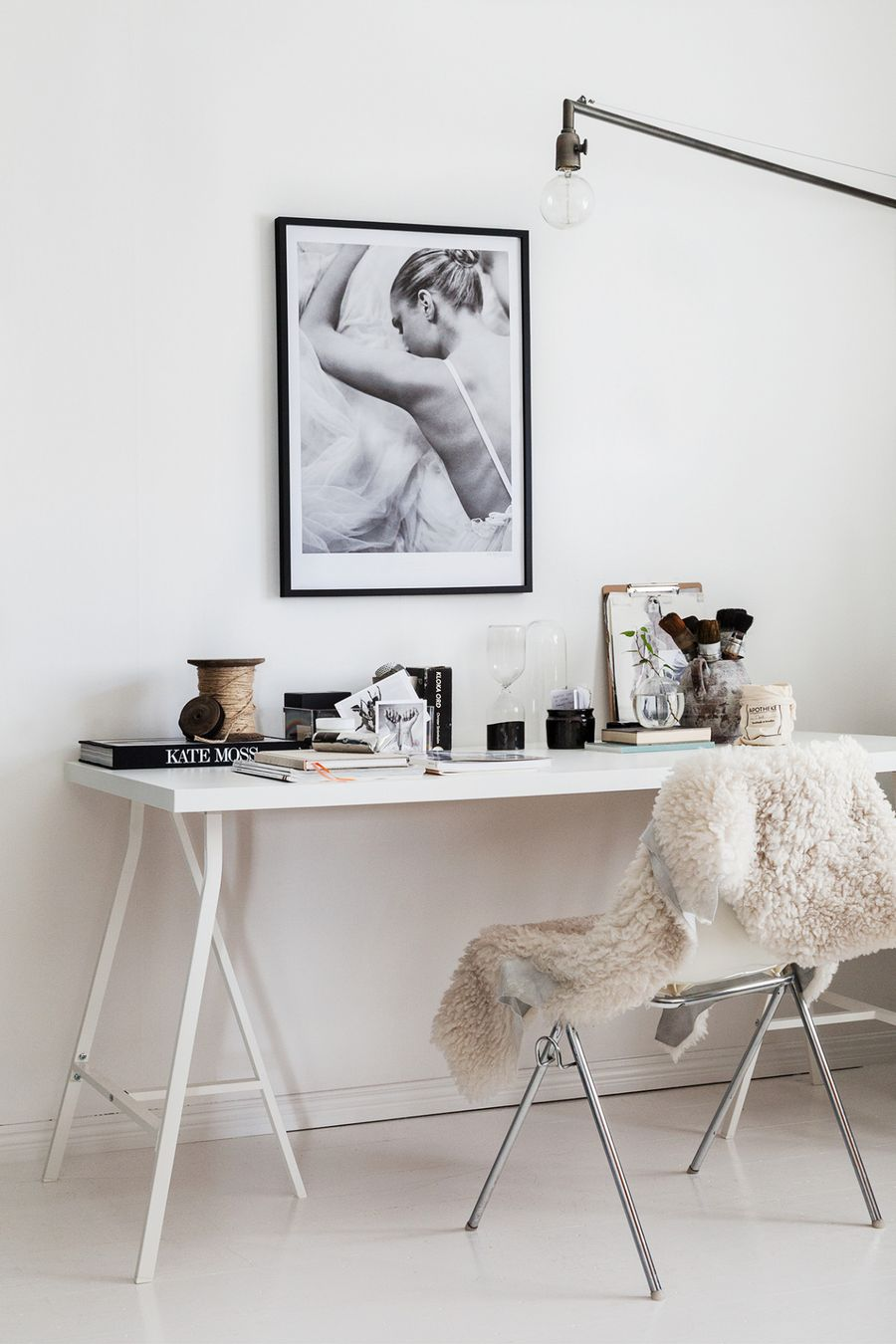 15 Dreamy Scandinavian Home Office Decor Ideas