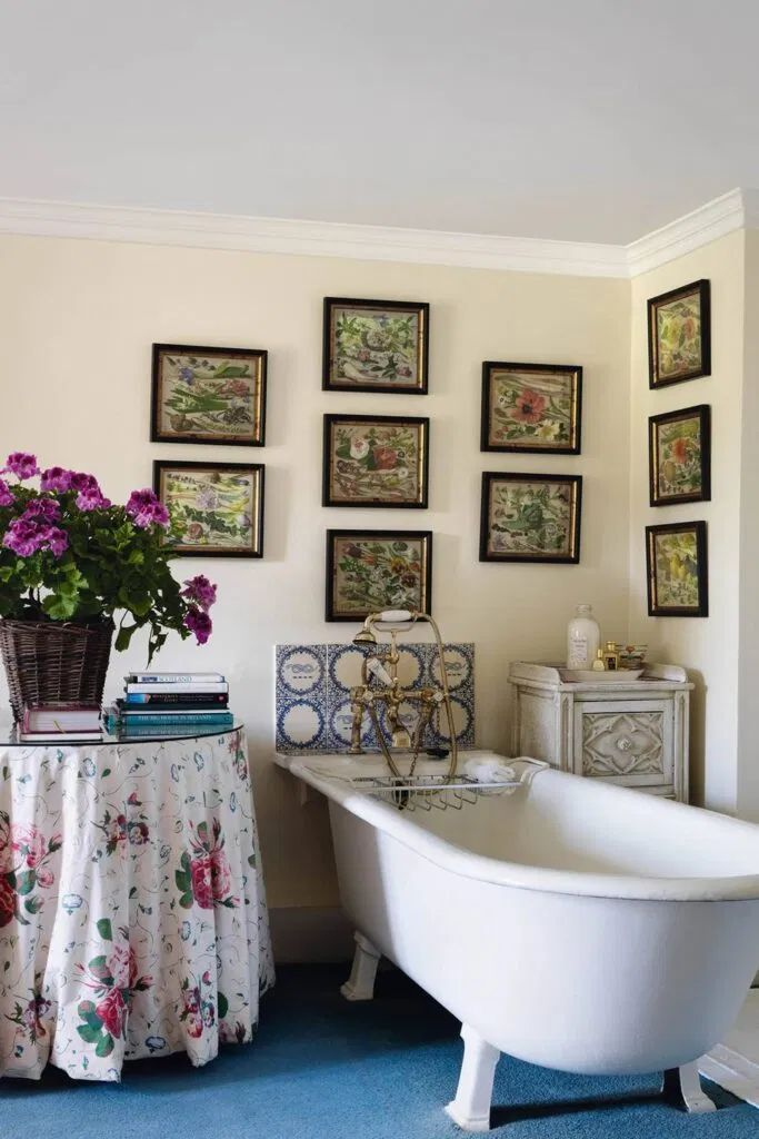 21 English Country Bathroom Designs To Inspire You