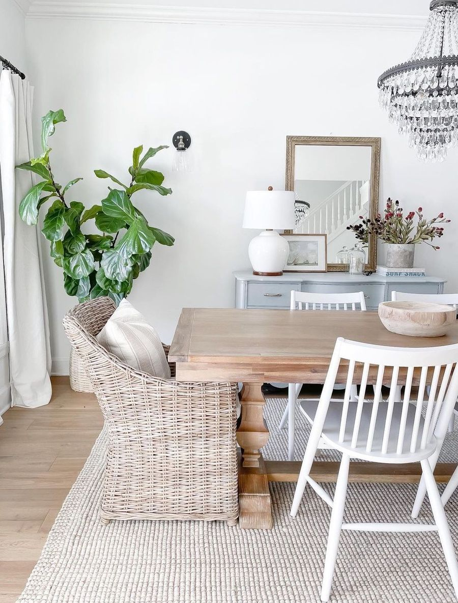 9 Best Coastal Dining Tables for Modern Beach Homes